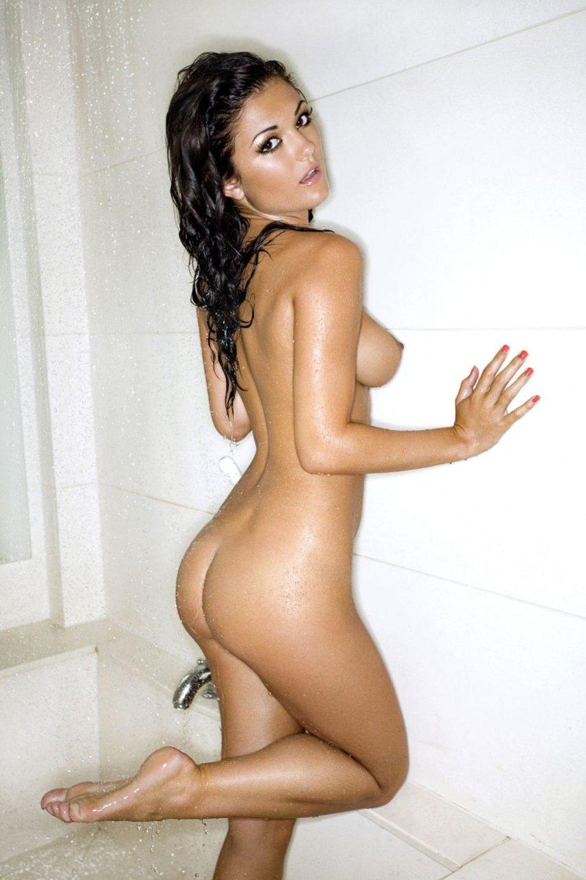 India Reynolds Nude (9 Photos)