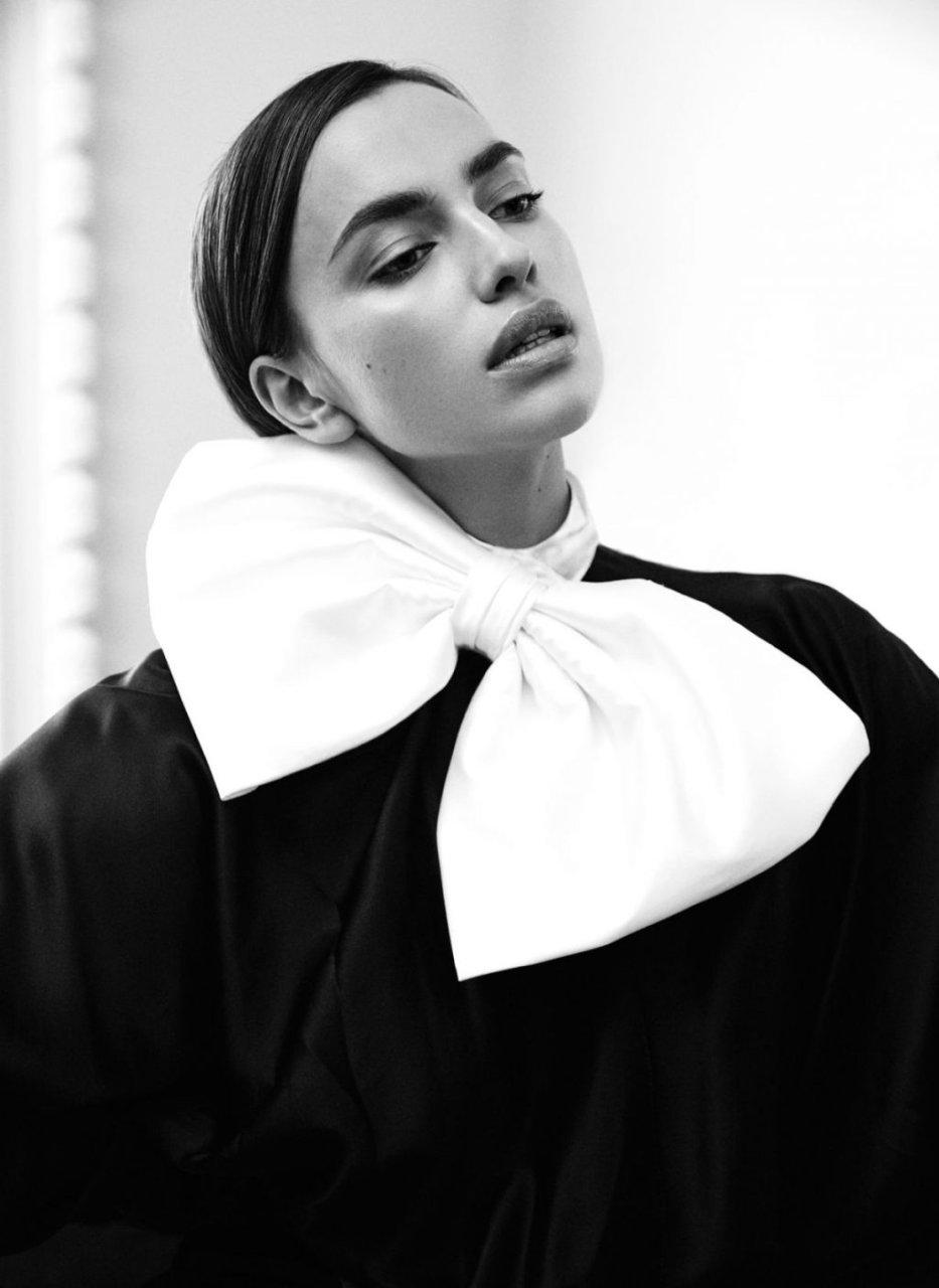 Irina Shayk Sexy & Topless (12 Photos)