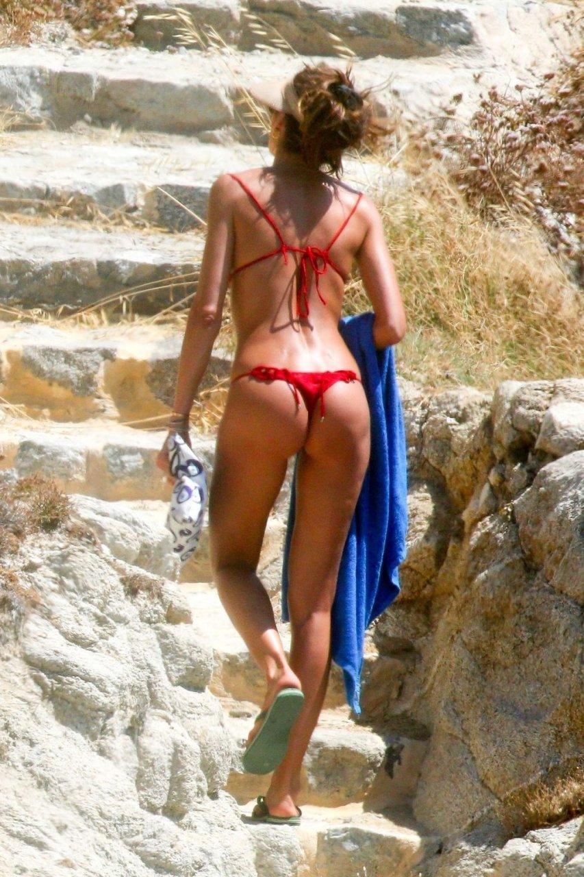 Izabel Goulart Sexy (25 New Photos)