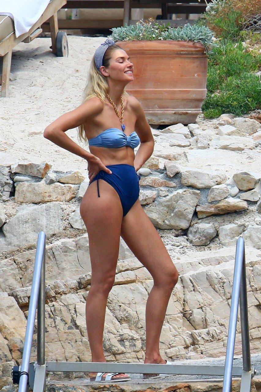 Jessica Hart Sexy (35 Photos)