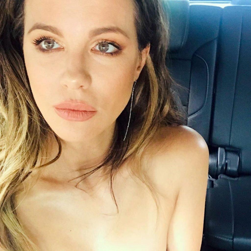 Kate Beckinsale Topless (1 Photo)