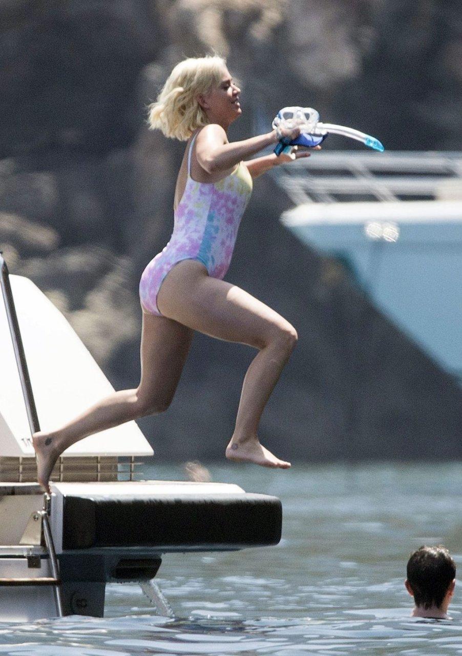 Katy Perry Sexy (28 Photos)