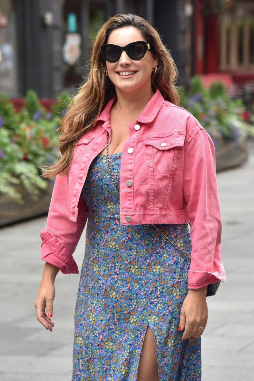 Kelly Brook Sexy (23 Photos)