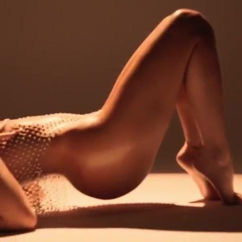 kylie jenner nude feet