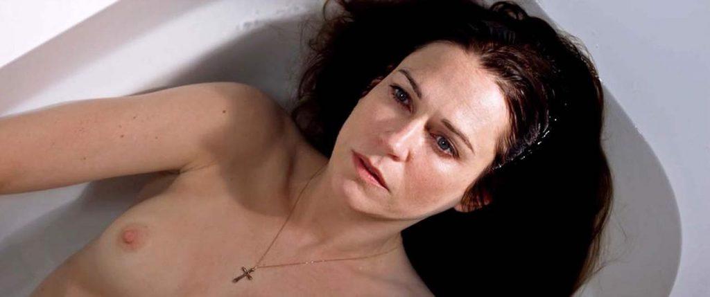 Marie-Josée Croze Nude – Le confessioni (4 Pics + GIF & Video)