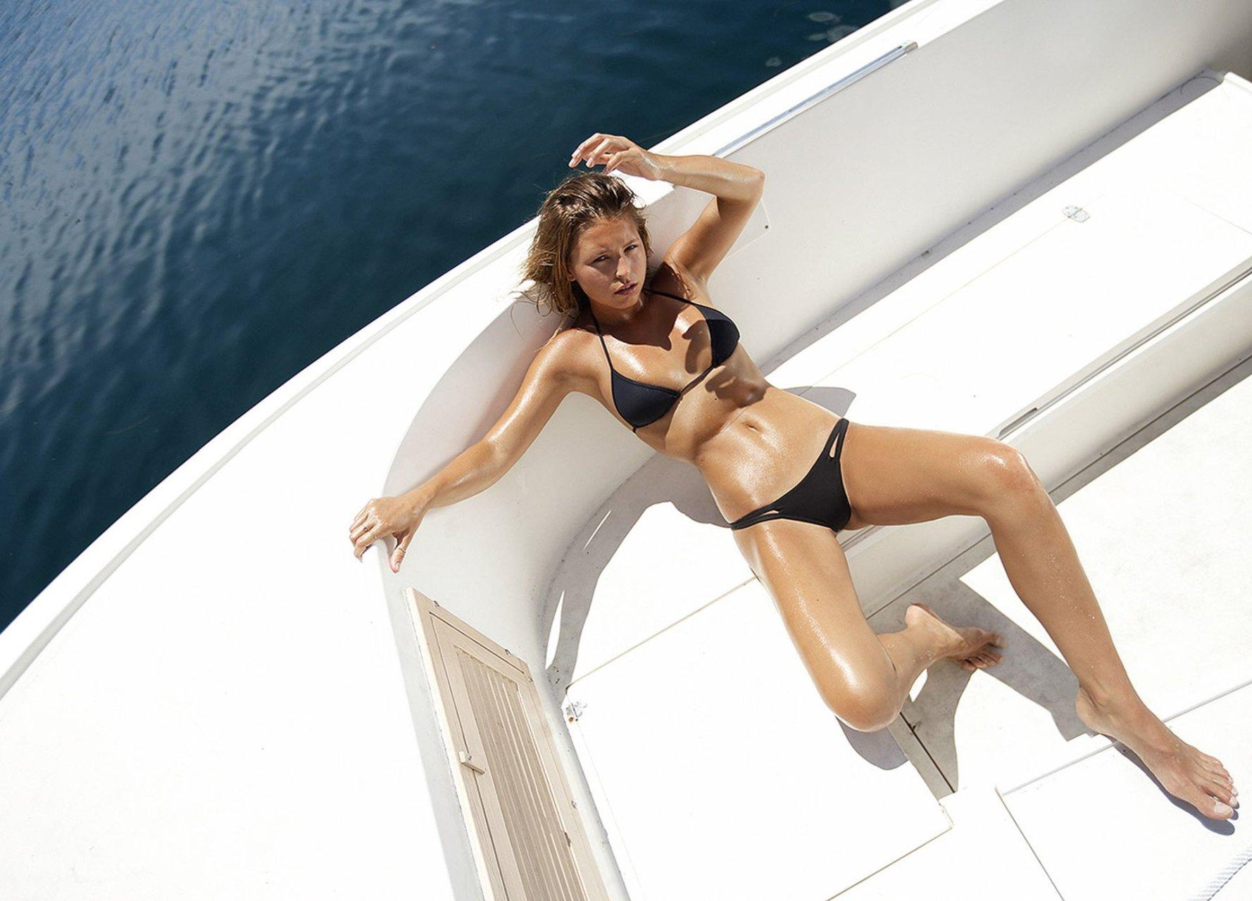 Marisa-Papen-Nude-Sexy-TheFappeningBlog.com-20.jpg