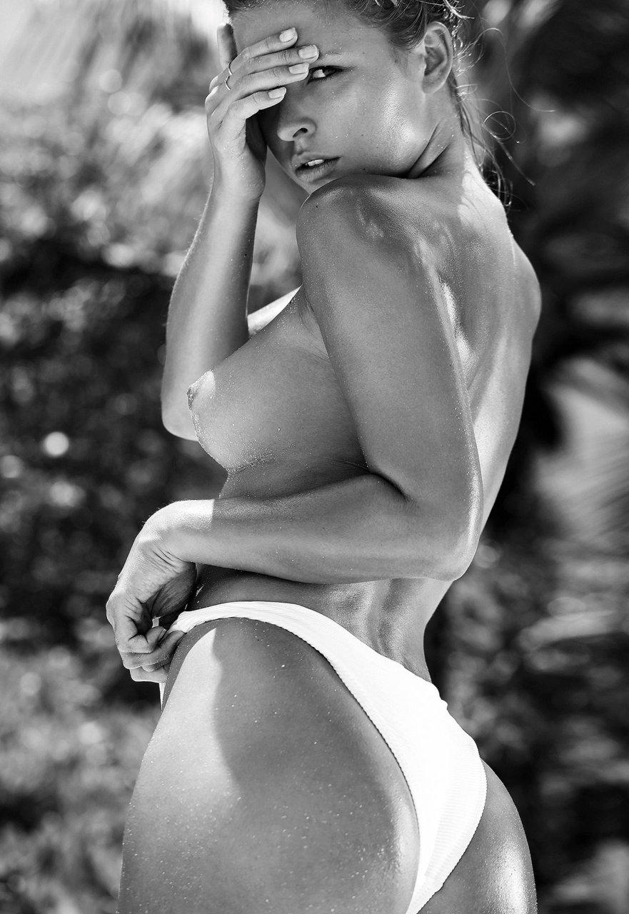 Marisa-Papen-Nude-Sexy-TheFappeningBlog.com-7.jpg