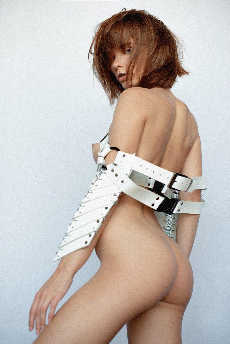 Marta Gromova Nude (8 Photos)