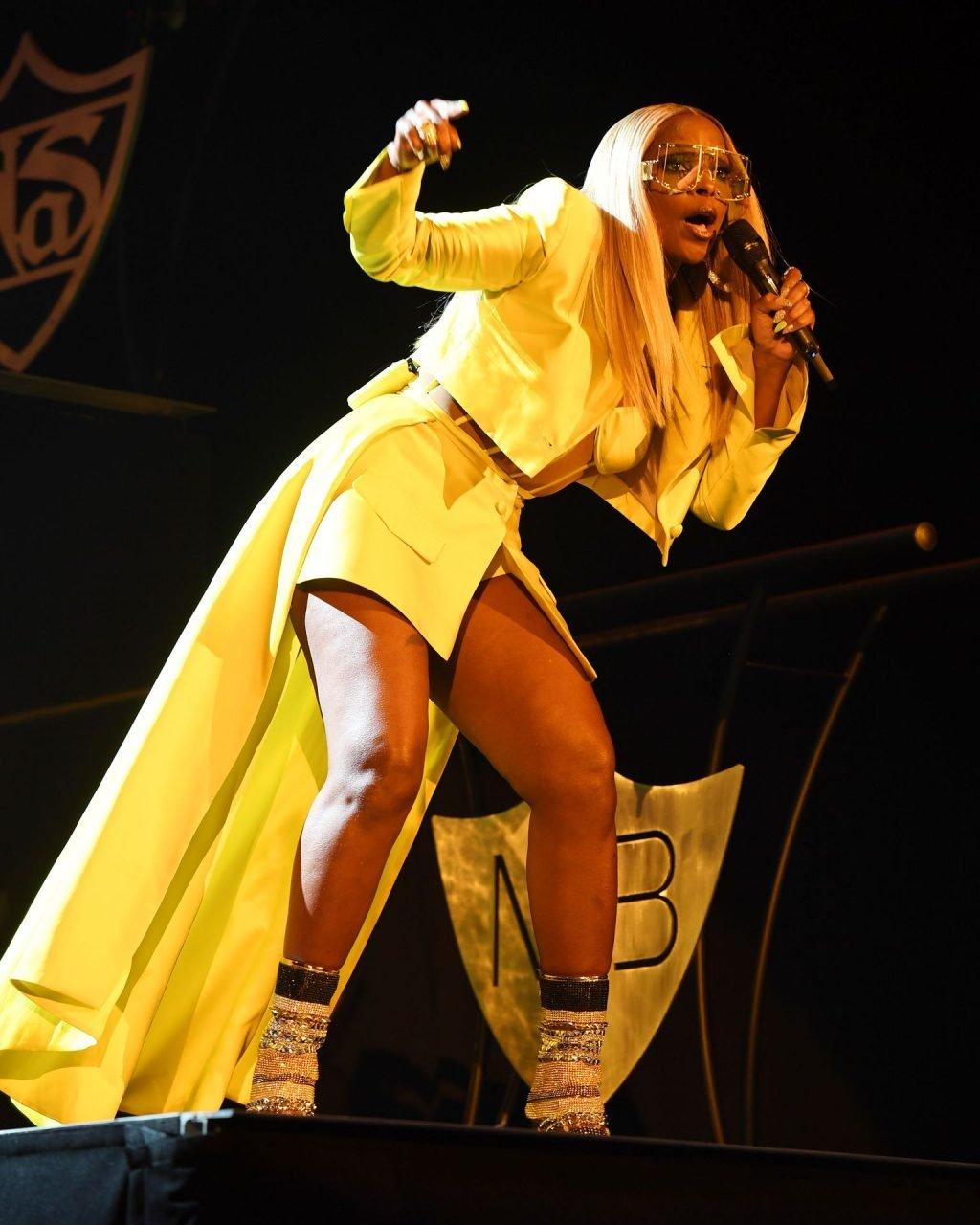 Mary J. Blige Sexy (44 Photos)