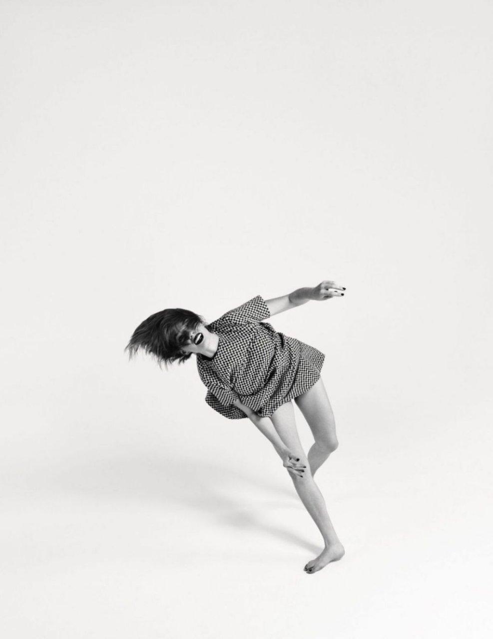 Maya Hawke Nude & Sexy (13 Photos)
