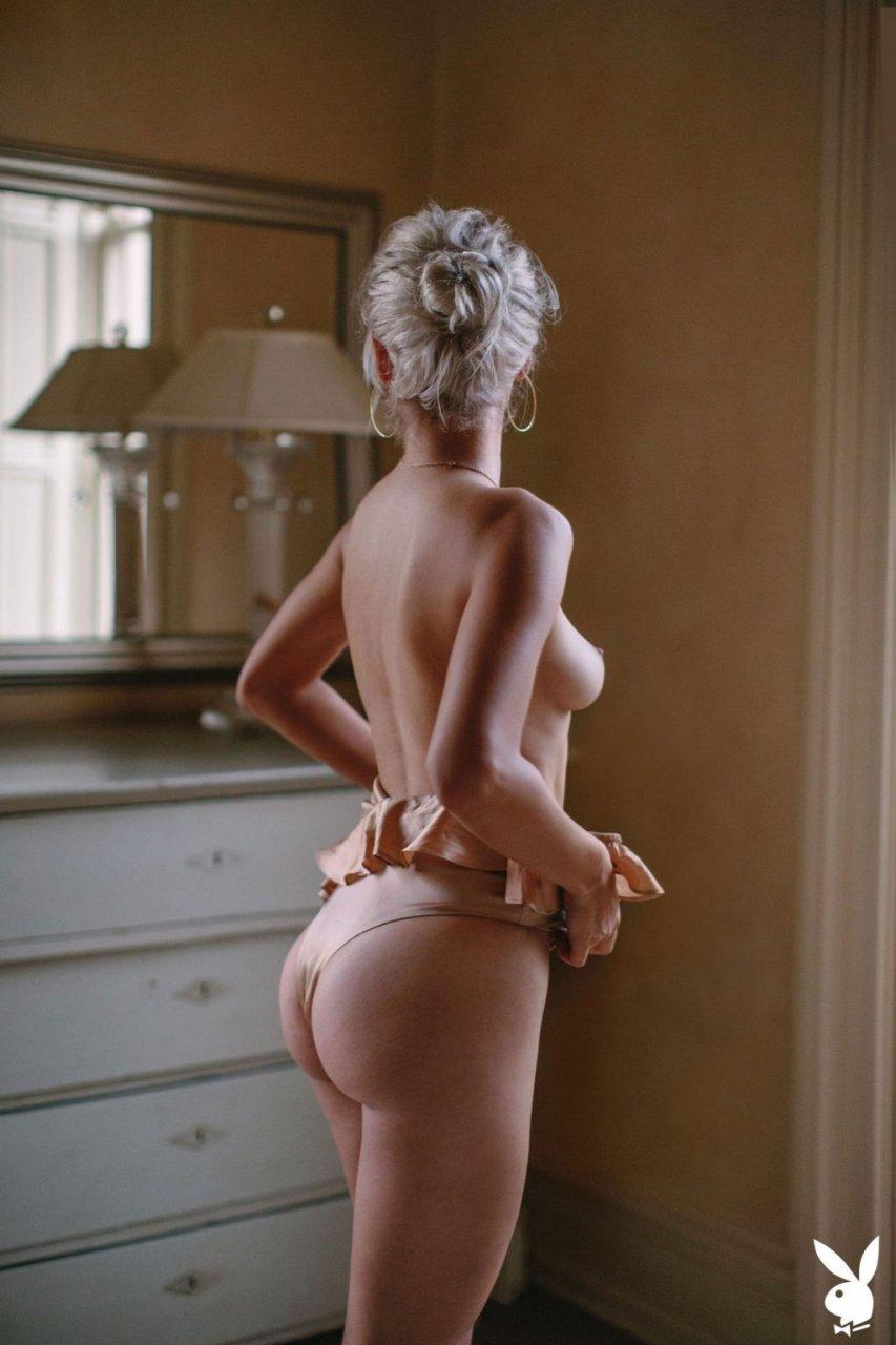 Michelle Rizzo Nude (28 Photos)