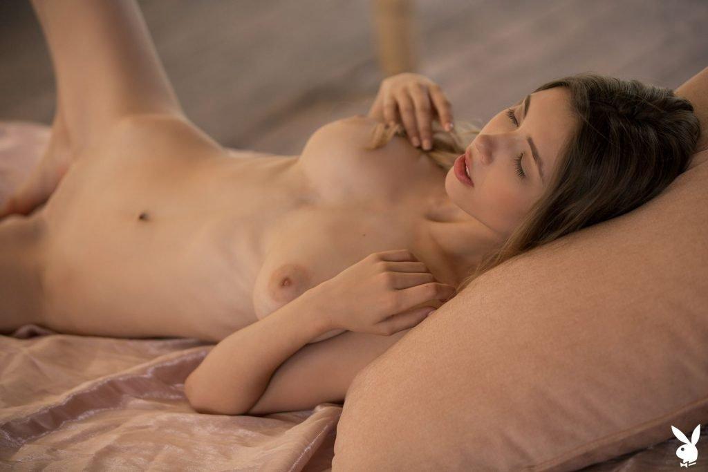 Mila Azul Nude (38 Pics + GIFs & Video)