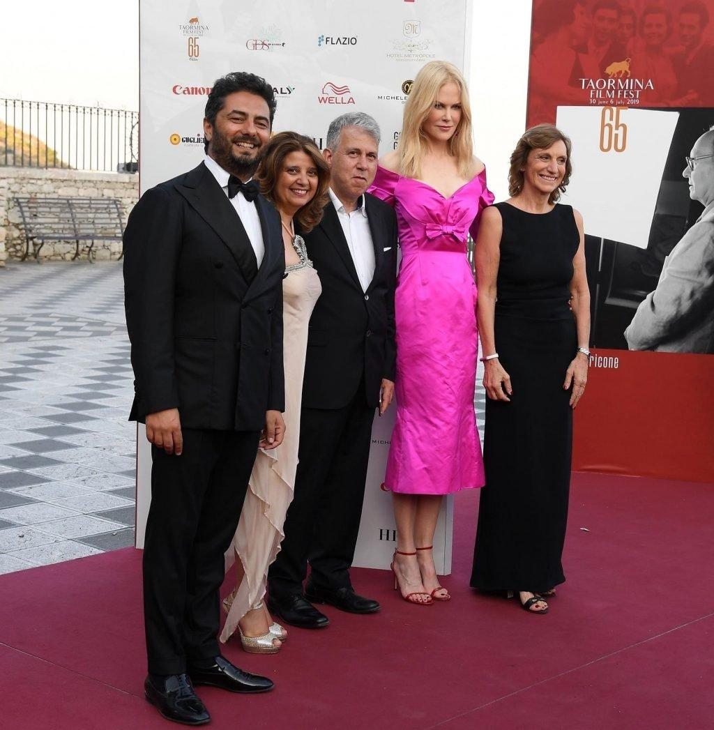 Nicole Kidman Sexy (32 Photos)