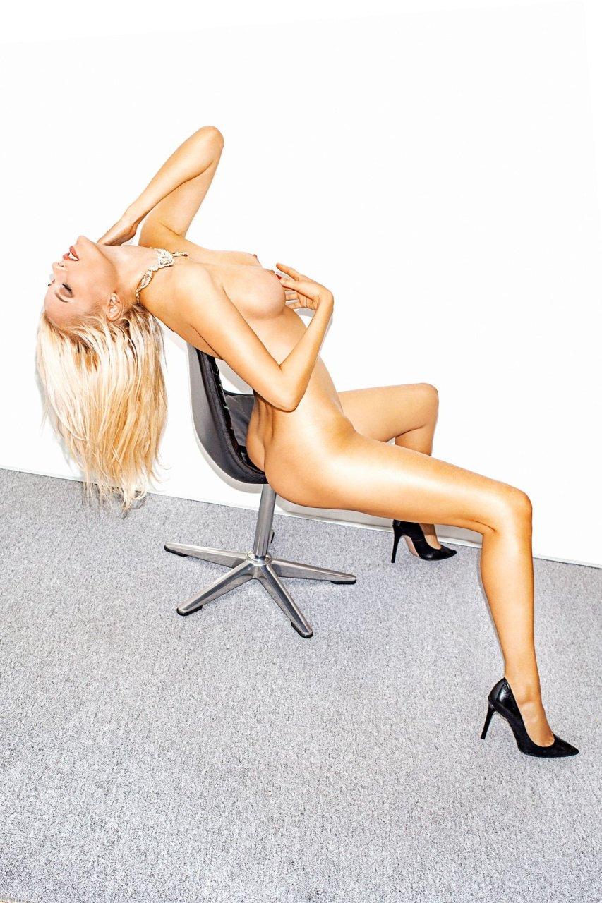 Olga-de-Mar-Nude-TheFappeningBlog.com-4.jpg