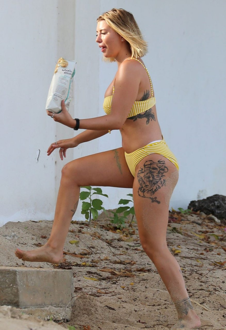 Olivia Buckland Sexy (26 Photos)