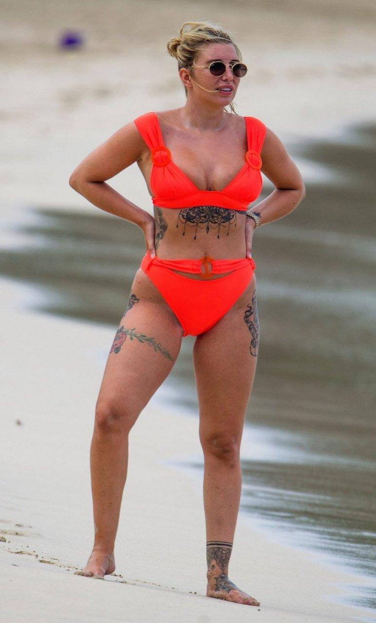 Olivia Buckland Sexy (48 Photos)