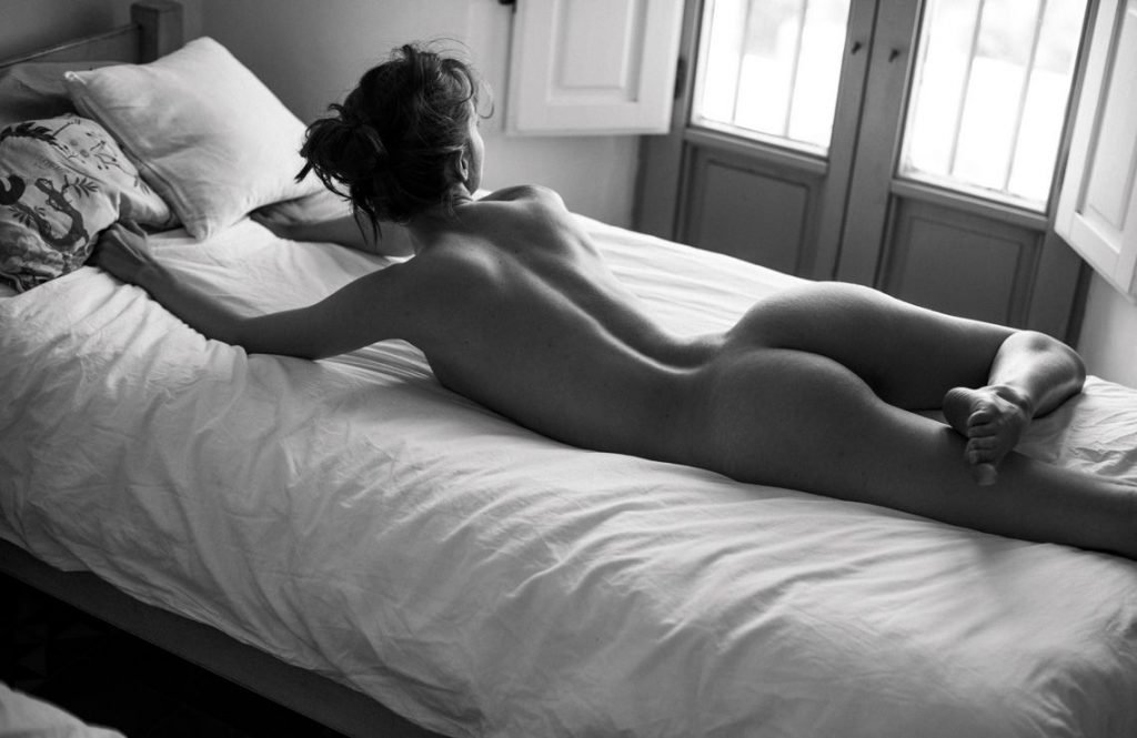 Rebecca Bagnol Nude (13 Photos)