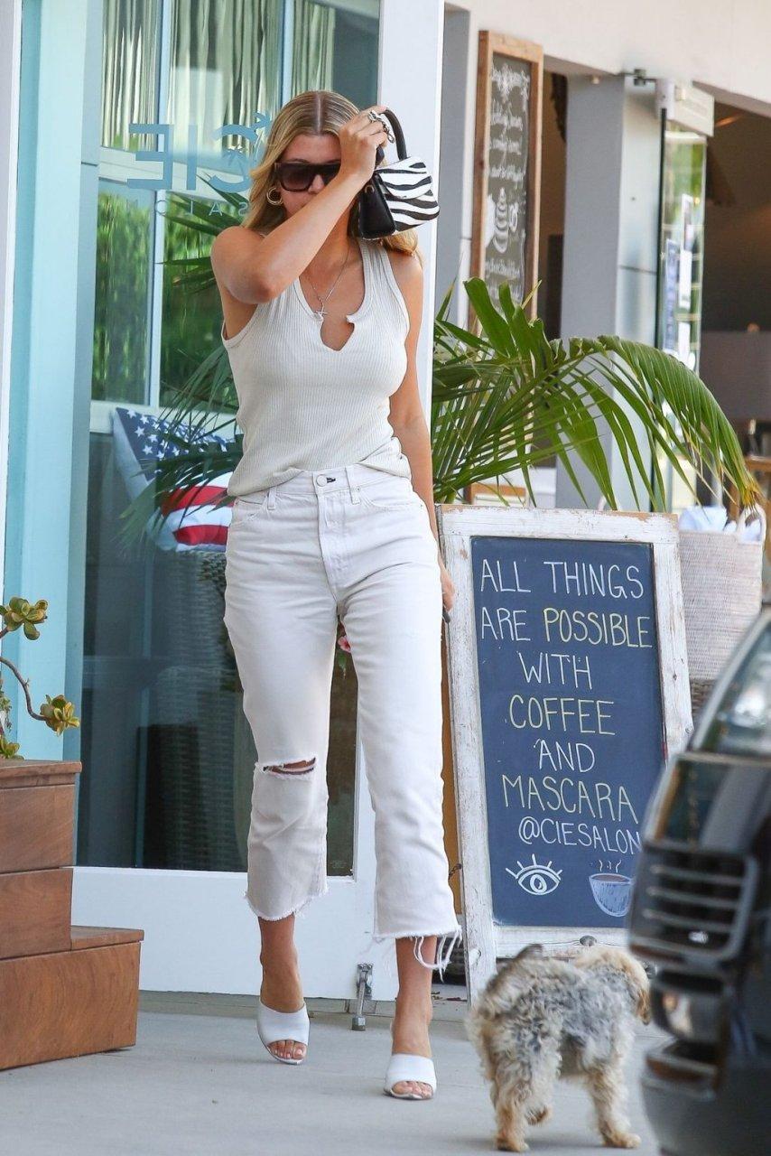 Sofia Richie Sexy (21 New Photos)