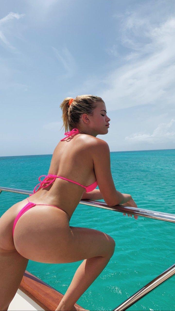 Sofia Richie Sexy & Topless (3 Photos)