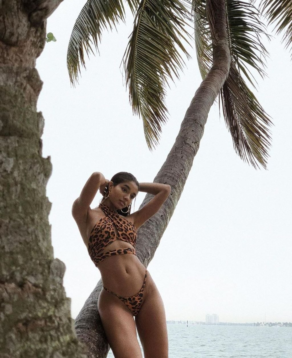 Yovanna Ventura Sexy (29 Photos + Video)