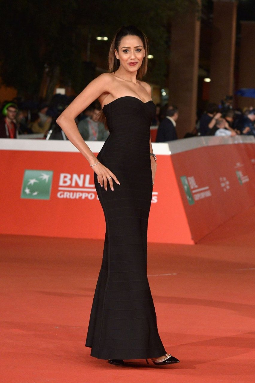 Zaina Dridi Sexy (5 Photos)