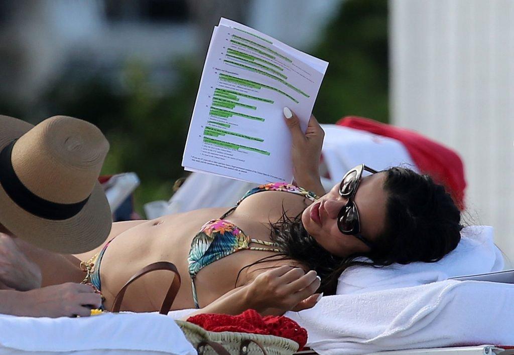 Adriana Lima Sexy (170 Photos)