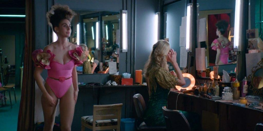 Alison Brie Sexy – GLOW (9 Pics + GIF & Video)