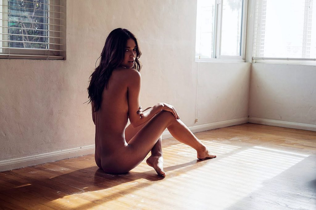 April Love Geary Nude & Sexy (93 Photos)