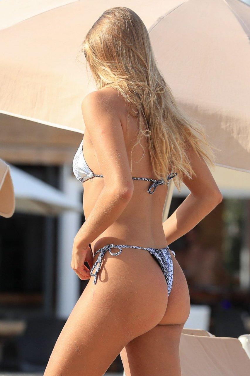 Arabella Chi Sexy (53 Photos)