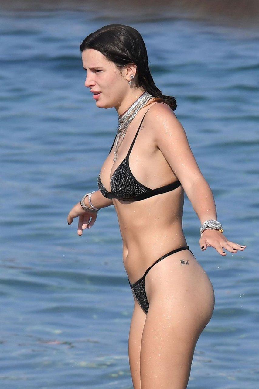 Bella Thorne Sexy (67 New Photos)