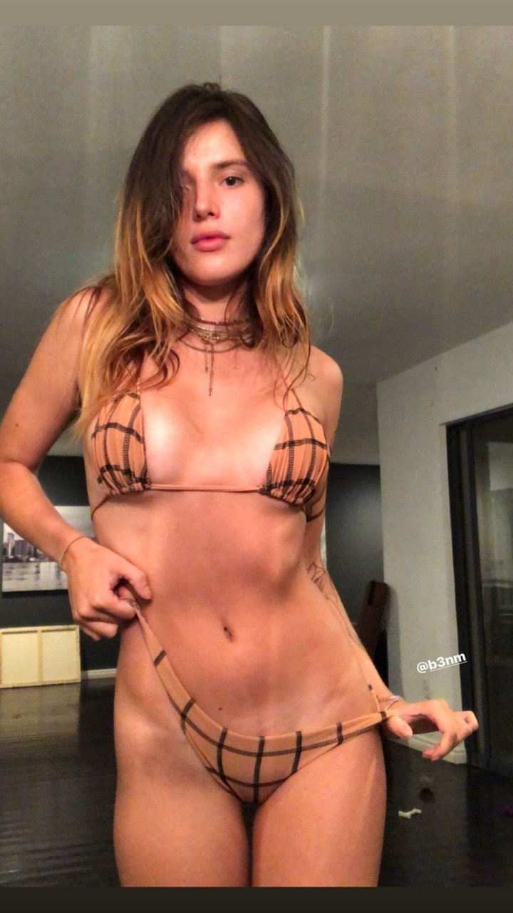 Bella Thorne Sexy & Topless (82 Pics + GIFs)