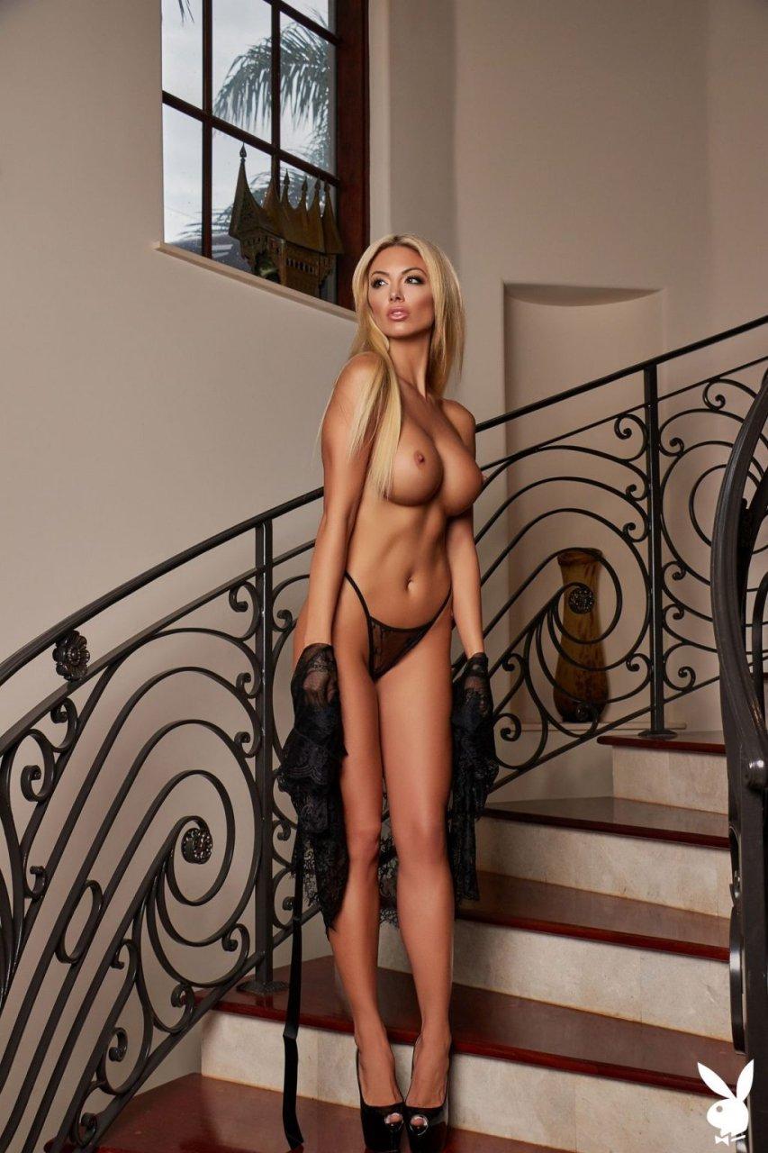 Bethany Giura Nude (44 Photos)