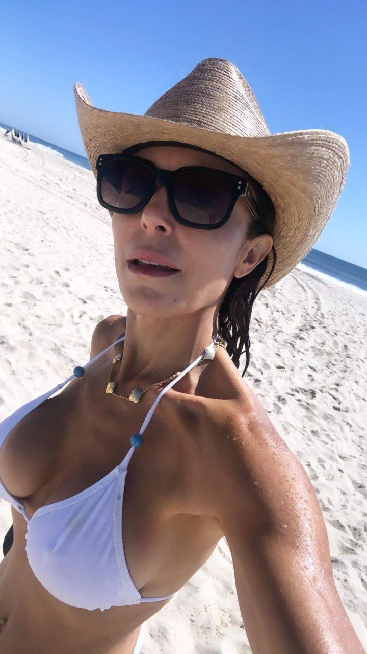 Bethenny Frankel Sexy (20 Photos)