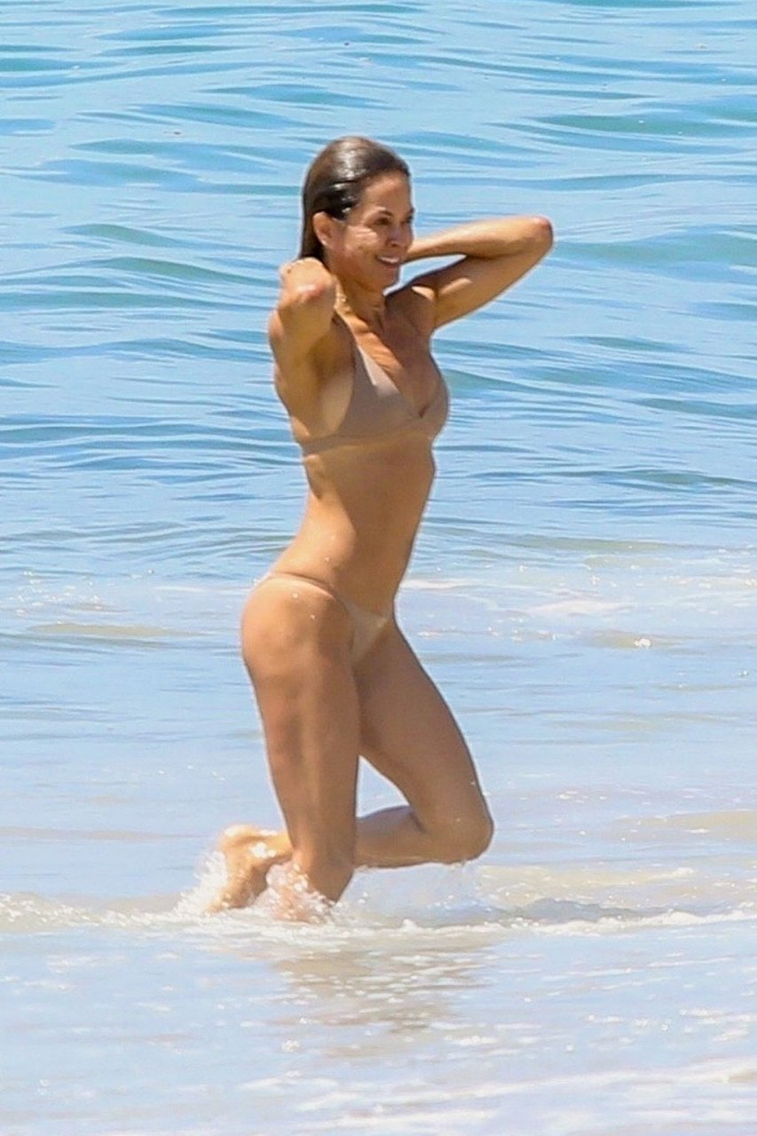Brooke Burke Sexy (102 Photos)