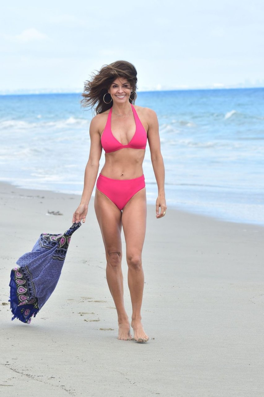 Brooke Burke Sexy (12 Photos)