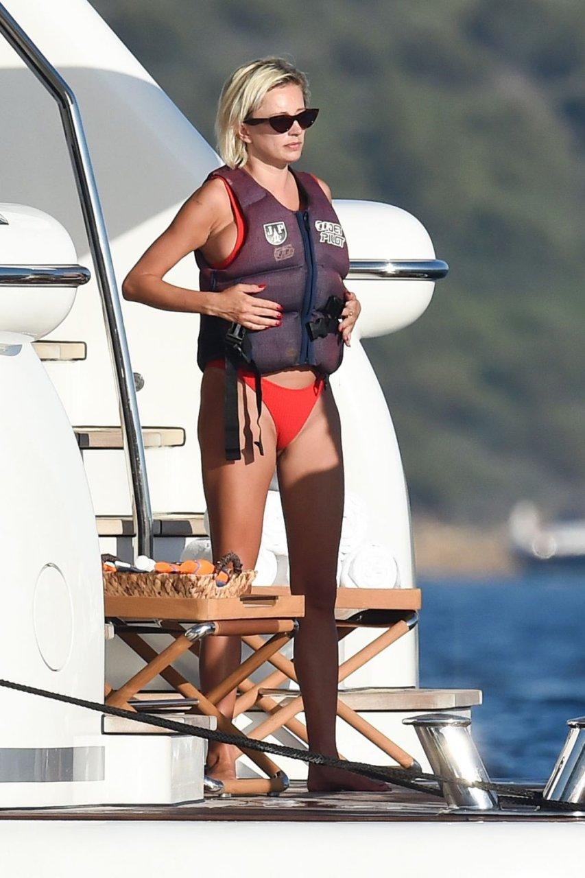 Caroline Vreeland Sexy (19 New Photos)