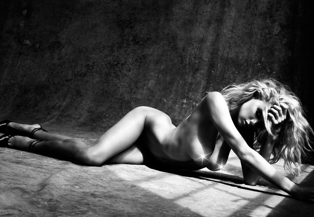 Charlotte Mckinney Nude Topless Pics And Leaked Porn
