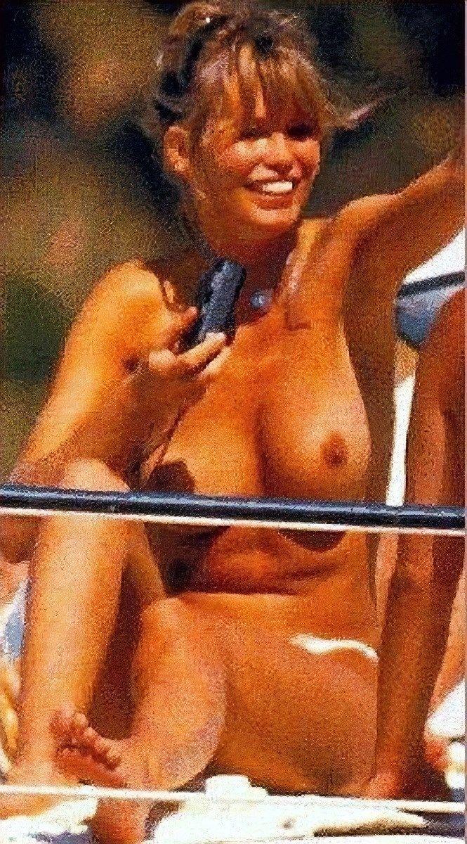 Claudia schiffer nude pics pics, sex tape ancensored