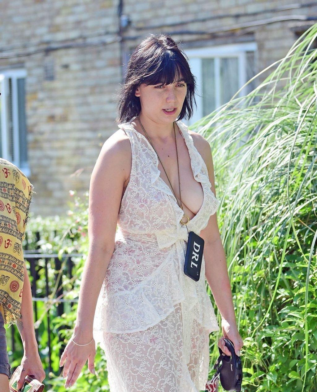 Daisy Lowe Braless (60 Photos)