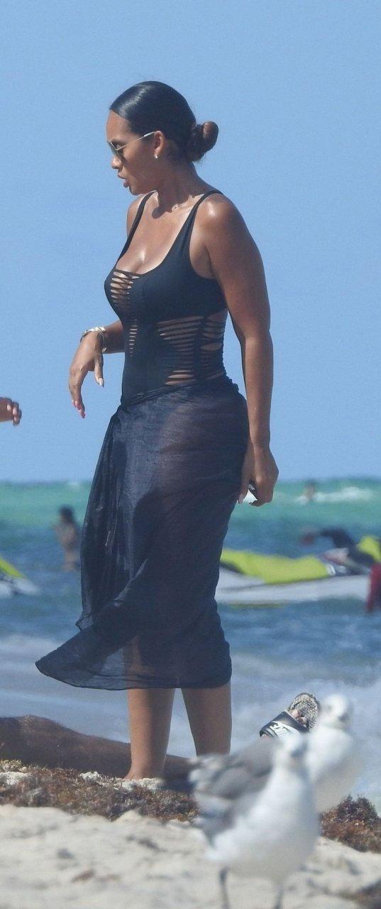 Evelyn Lozada, Shaniece Hairston Sexy (98 Photos)