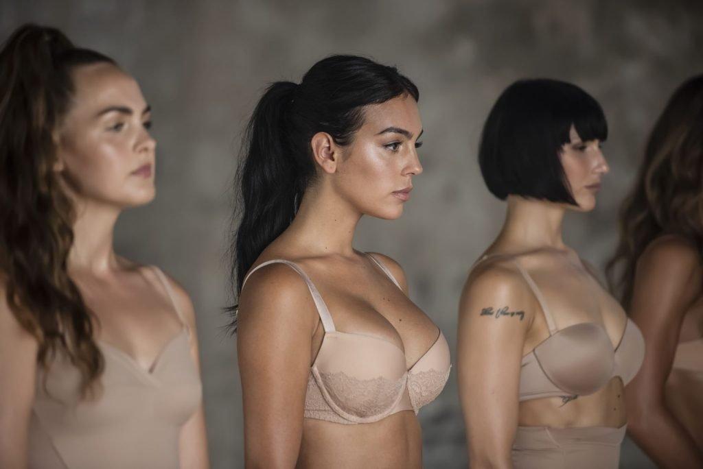 Georgina Rodriguez Sexy (10 Photos + Video)