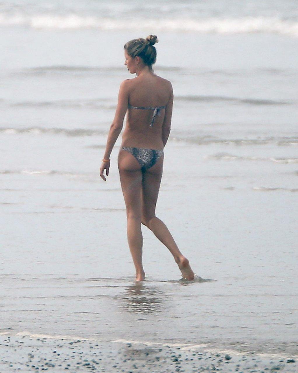 Gisele Bundchen Sexy (105 Photos)