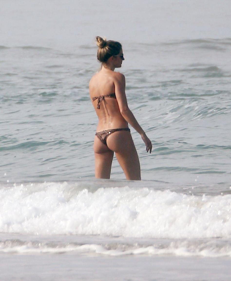 Gisele Bundchen Sexy (102 Photos)