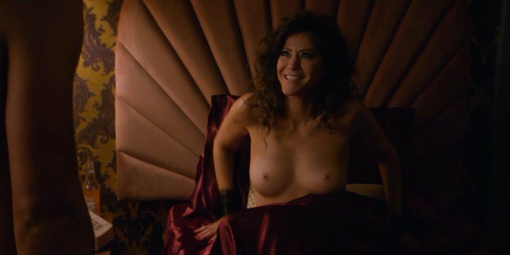 Jackie Tohn Nude – GLOW (15 Pics + GIF & Video)