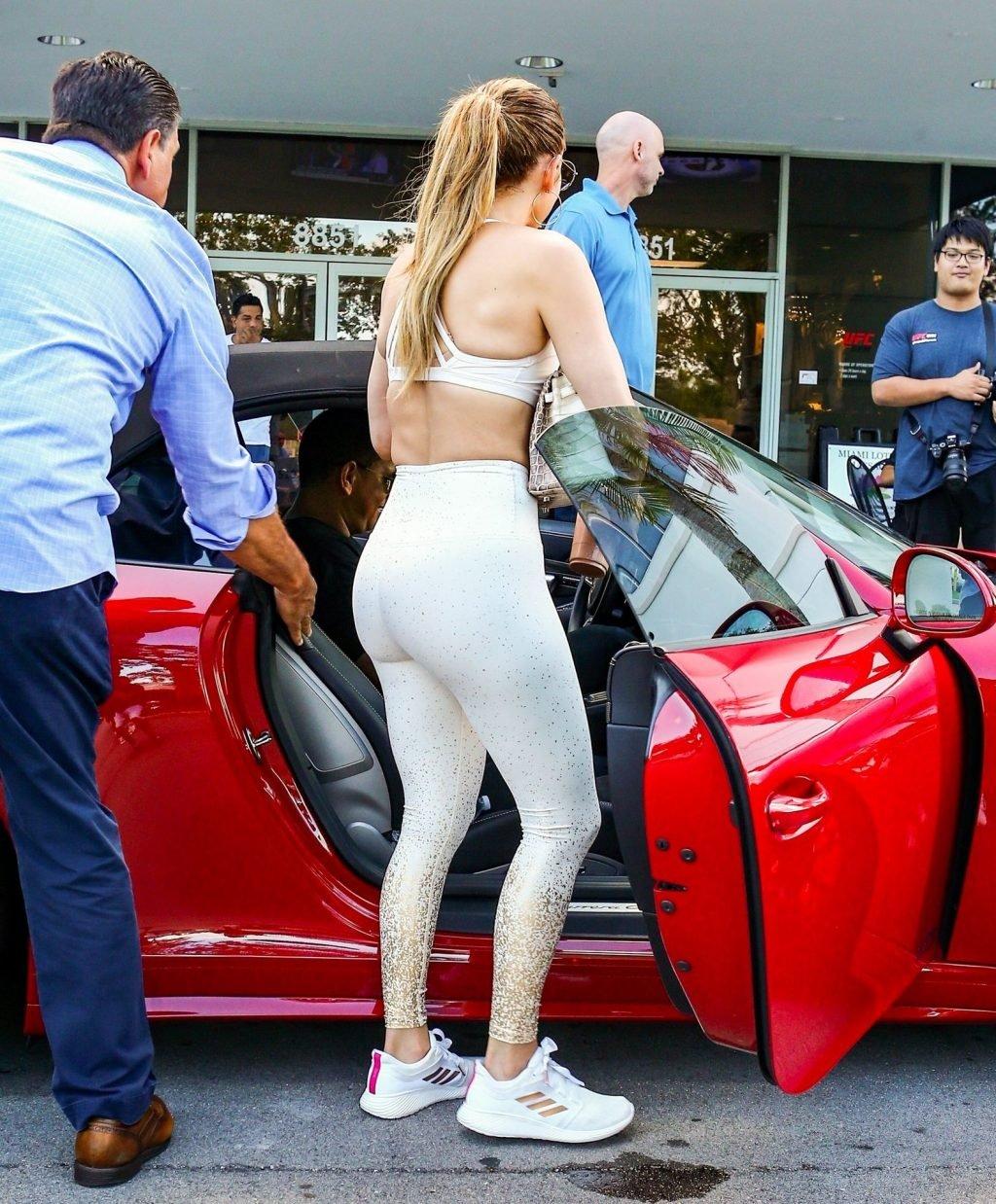 Jennifer Lopez Sexy (48 Photos)
