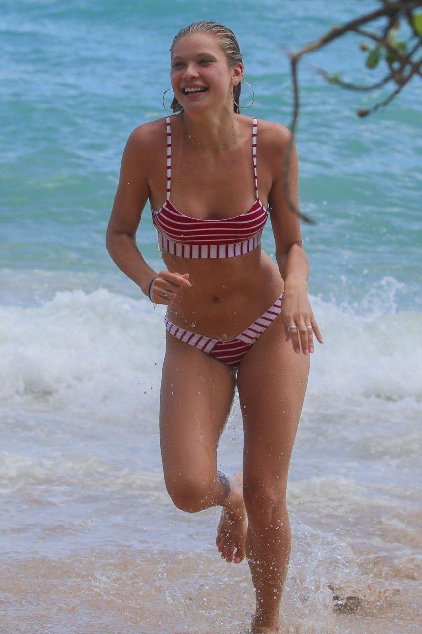 Josie Canseco Sexy (26 Photos)