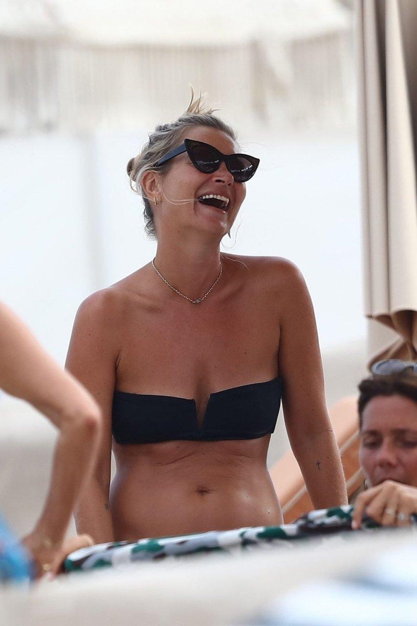 Kate Moss Sexy (44 Photos)