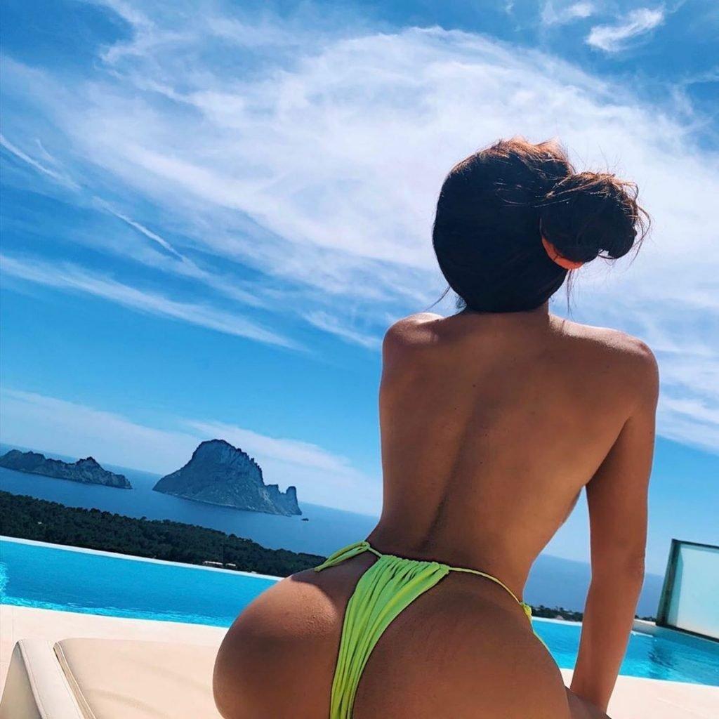 Katie Salmon Sexy (13 New Photos)