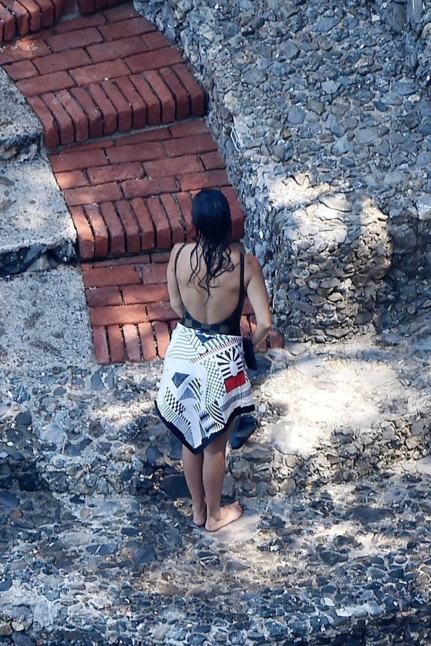Kourtney Kardashian Sexy (43 Photos)