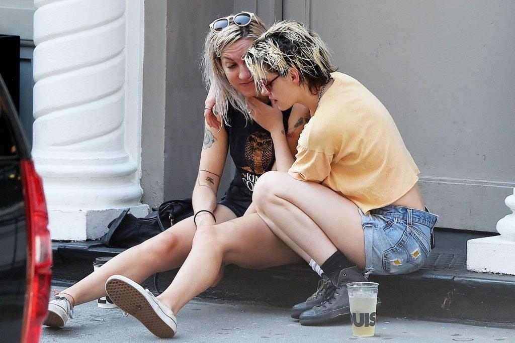 Kristen Stewart Sexy (24 Photos)
